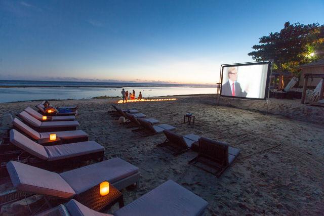 14672535630_794e6f2402_b - 7 Destinasi Pantai Tersembunyi yang Bisa Kamu Kunjungi ketika Liburan di Bali - paket wisata