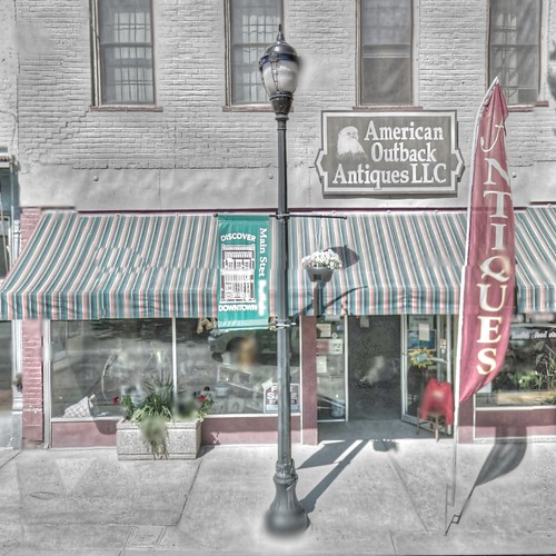 trek store google buffalo mainstreet antique lamppost wyoming hdr highdynamicrange streetview panamerican wyo photomatix gsv americanoutback googlestreetview