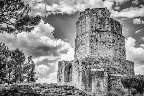 blackandwhite bw history monument clouds blackwhite roman olympus panasonic nimes romanwall lr gard omd lightroom languedocroussillon 2014 m43 em10 tourmagne mft silverefexpro 20mm17 frompeterj©