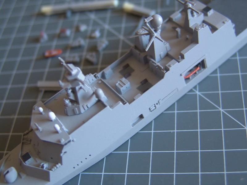 HDMS Absalon L-16  Navire de Soutien Multifonctions - NNT 1/700 14875399681_7296567ee4_b