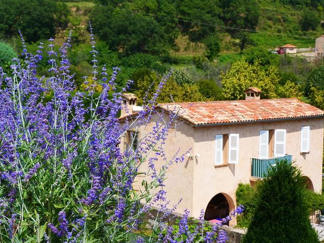 Típica casa provenzal (Gourdon, Costa Azul, Francia)