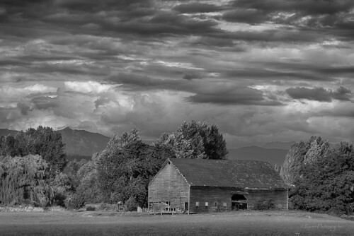 bw storm weather clouds barn landscape nikon cloudy cascades pacificnorthwest pugetsound hdr cascademountains snohomish wx snohomishcounty d610 nikon28300mmf3556gedvr ryderphotographic howardryder