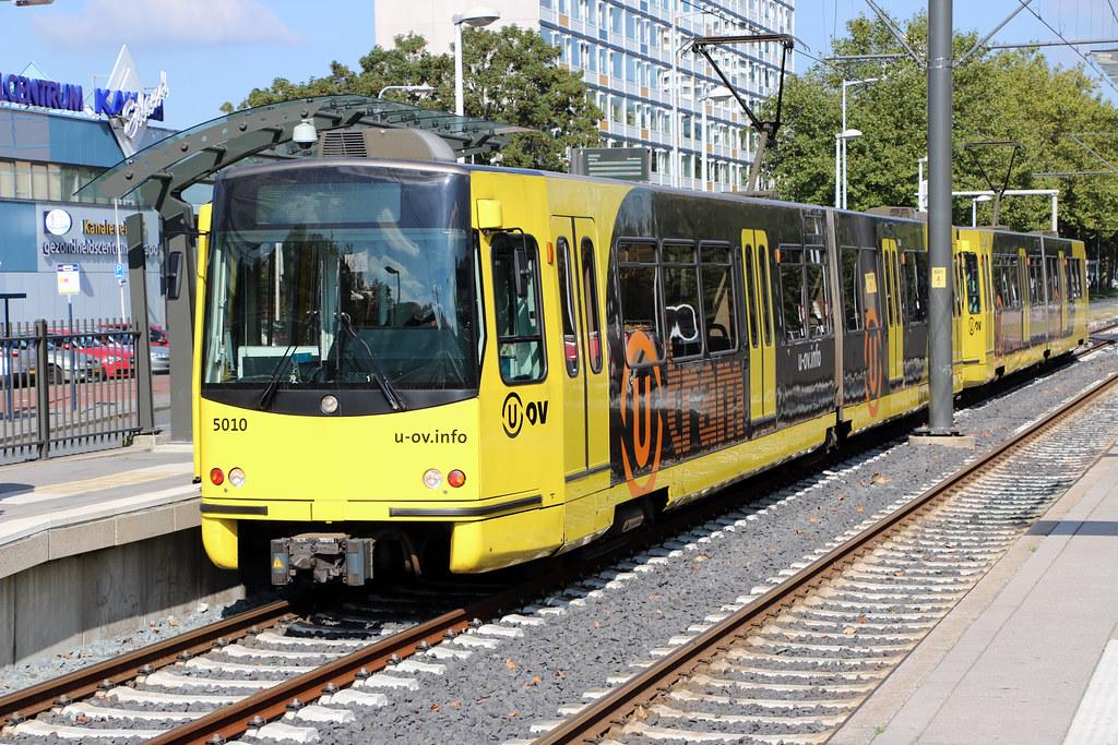 U-OV Sneltram/U-Tram stellen 5010 en 5017, 5 mei plein, Utrecht