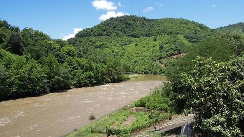 2014 laos nikon p300 namneunsong bansoplao river water sun outdoor houaphanh province
