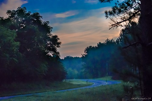 road turn sunrise nikon curve hdr lightroom mosslake postprocessing photomatix