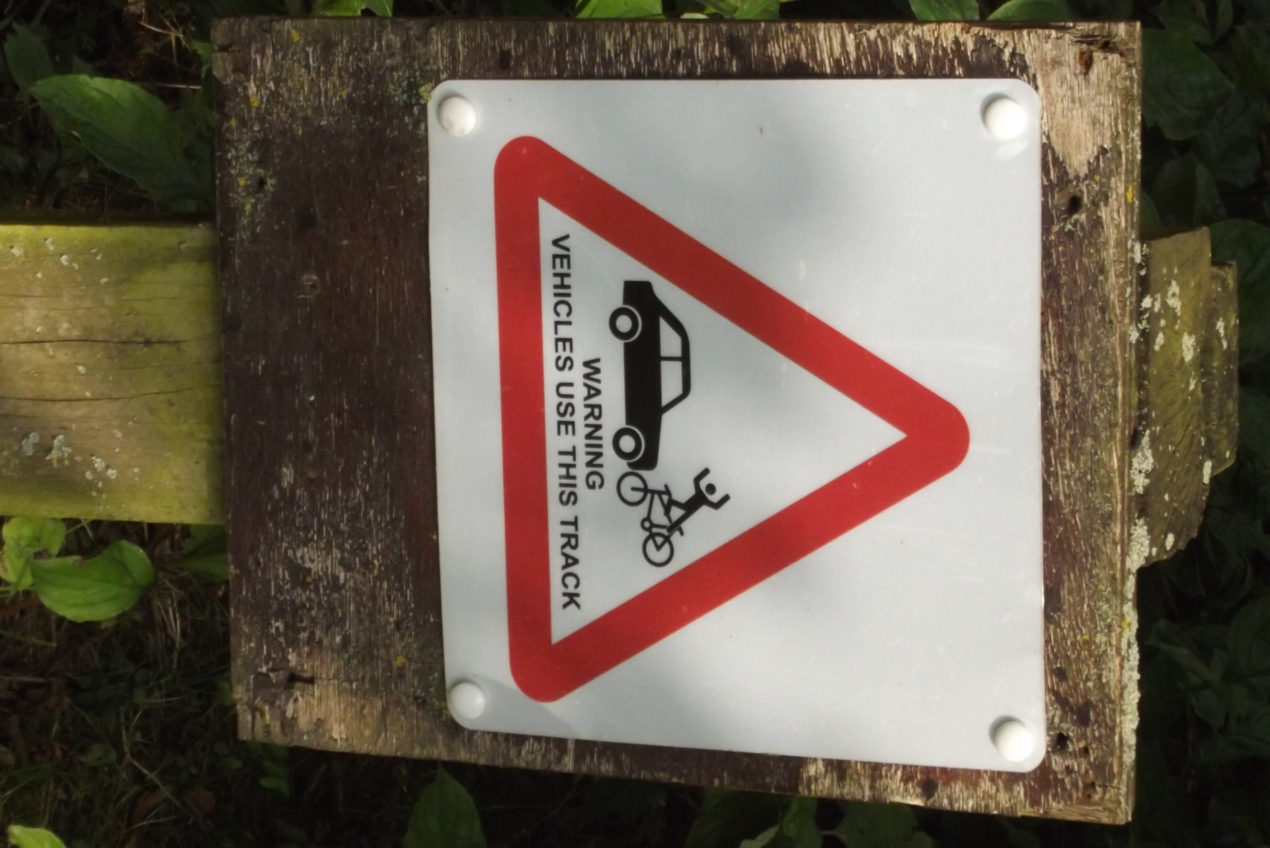R Rhino Usage Warning Carsington Wate...