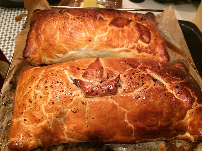 Beef Wellington : Straight from the Oven - Check the internal temperature