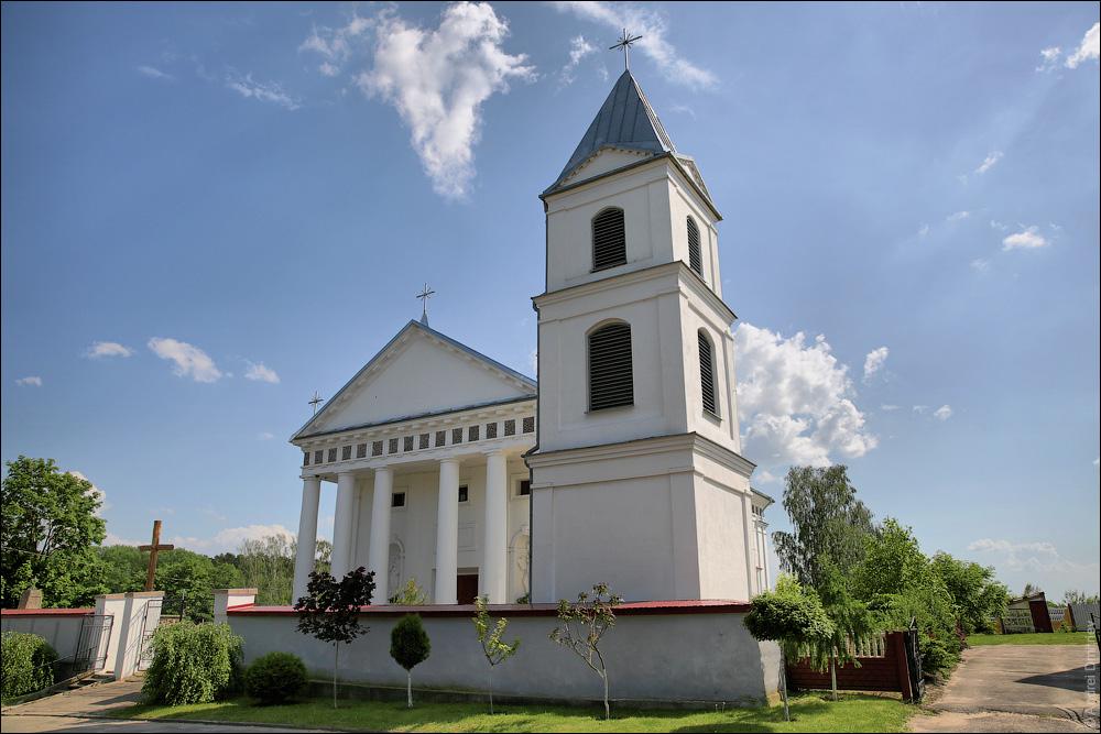 Верейки, Костел Девы Марии