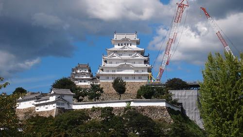 姫路城、足場撤去中。20140914