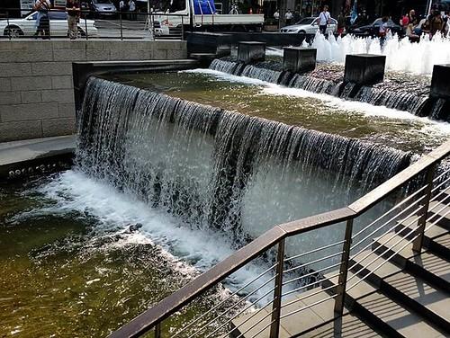 清溪川整治成果。圖片提供:KFEM
