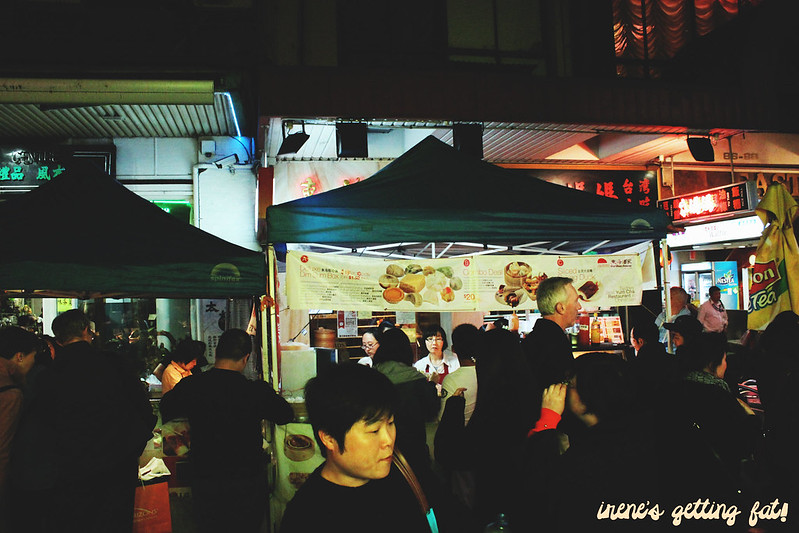 night-market-crowd