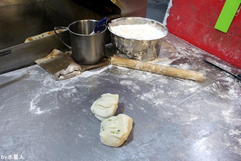 30000193420 b91a43f791 b - 台中西屯【逢甲脆皮蛋餅】純手工現做餅皮,獨特日式醬料口味,吃起來是章魚小丸子口味的蛋餅!