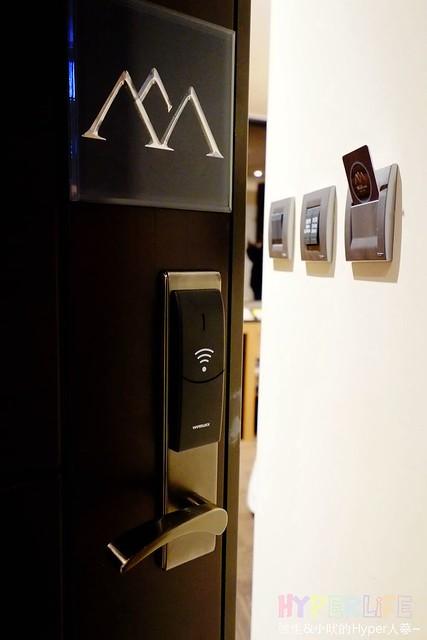 華山文旅Wallsun Hotel – 2016年12月開幕全新飯店,就在華山1914文創園區正對面;提供早餐環境乾淨明亮,有機會可以入住觀景房有好風景可欣賞唷! @強生與小吠的Hyper人蔘~