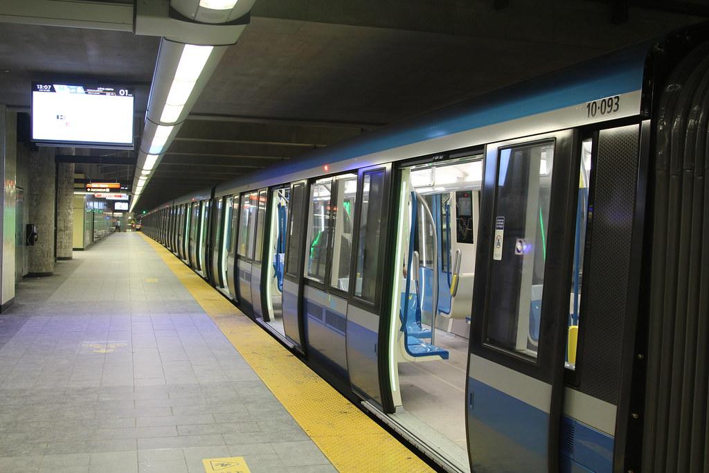 Métro de Montréal MPM-10 Azur 10-093