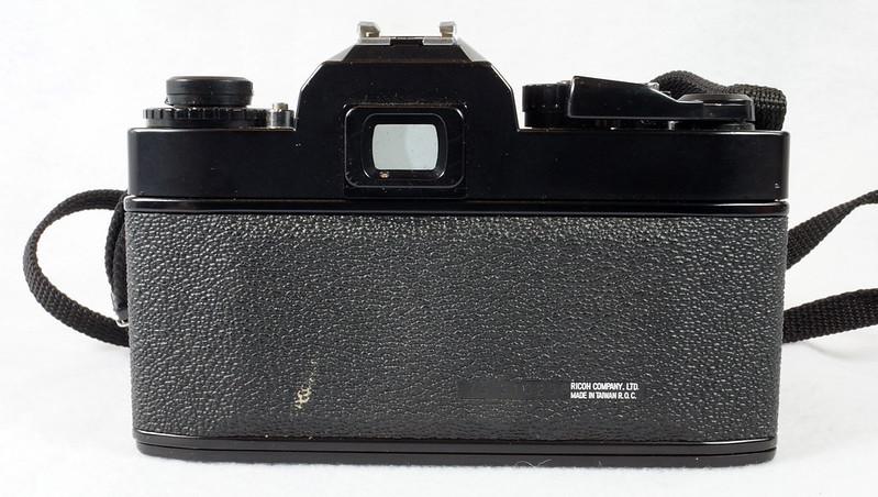 RD15023 Ricoh KR-5 SUPER 35mm SLR Film Camera XR Rikenon 50mm Lens, Sunpak Flash, Mustang Case DSC07463
