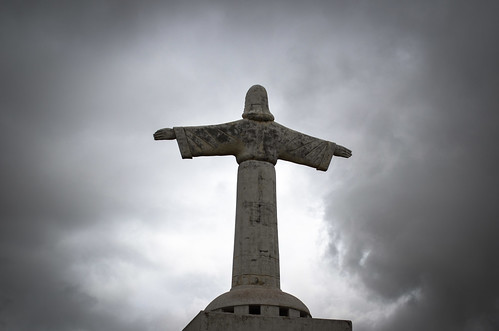 Cristo Rei statue and the clouds