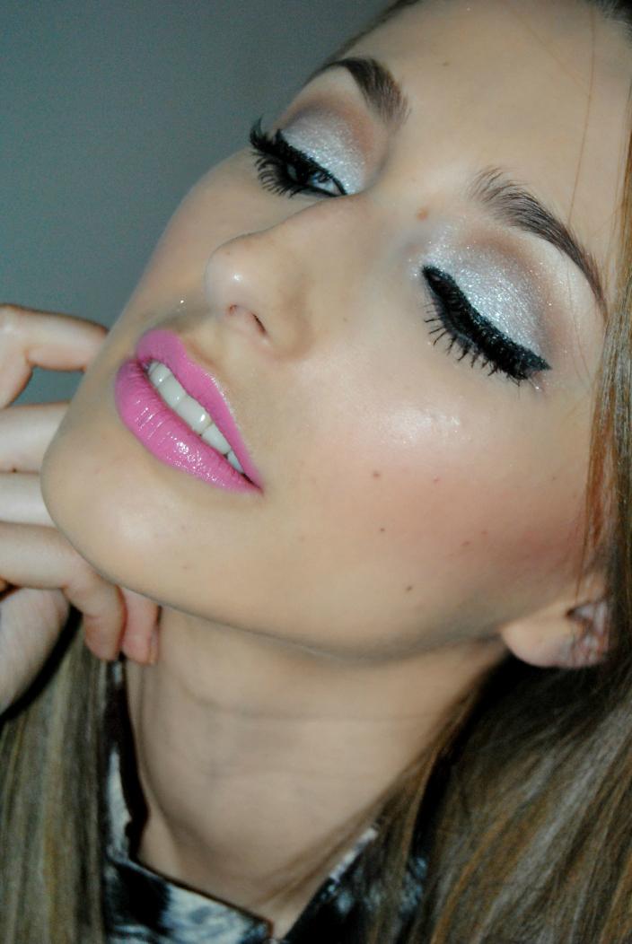Makeup - Silver (2)