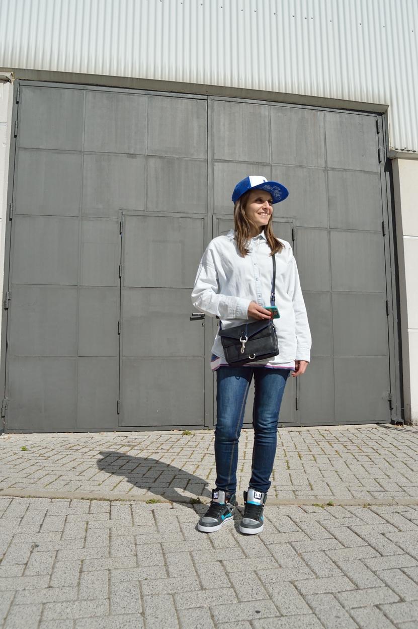 lara-vazquez-madlula-blog-cap-blue-outfit