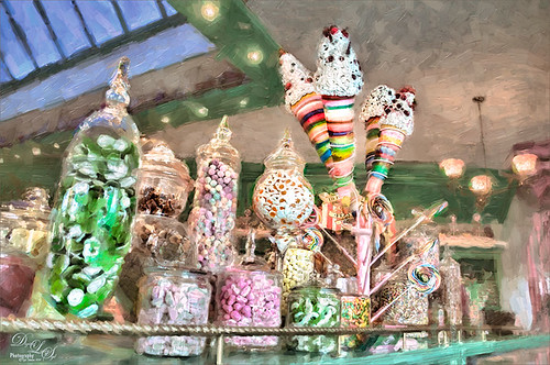 Image of a candy shop at Harry Potter Land in Universal Studios Orlando