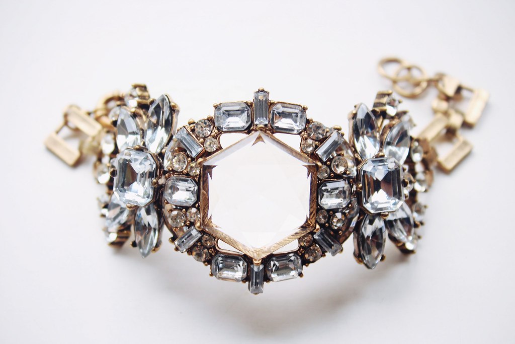 stunning-hexagon-bracelet-with-big-crystals-from-persunmall