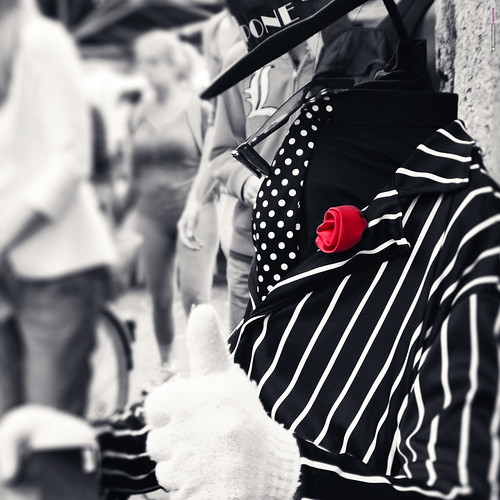 Face-Off Street Performer