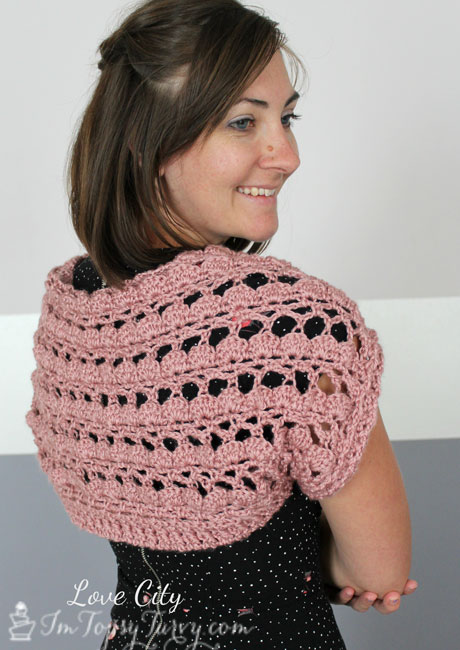 shells-and-lace-shrug-pattern-crochet