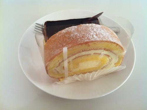 楽音寺ロールケーキ