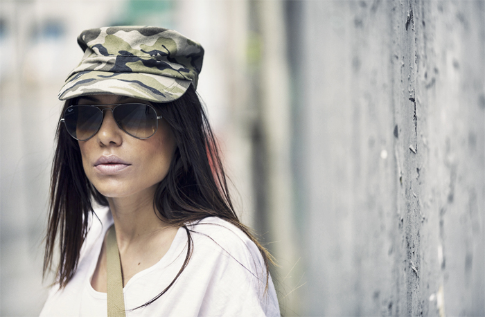 street style barbara crespo military tiger tshirt the corner shop hector boots fashion blogger outfit blog de moda