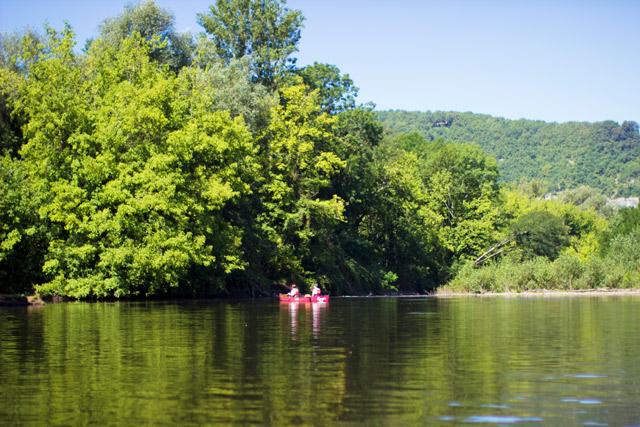 canoeing on the Dordogne river in Meyronne