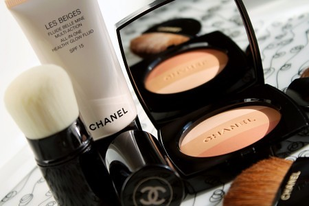 Chanel-Summer_Chanel-Les-Beiges-Healthy-Glow-Fluid_Powder_Kabuki-450x300