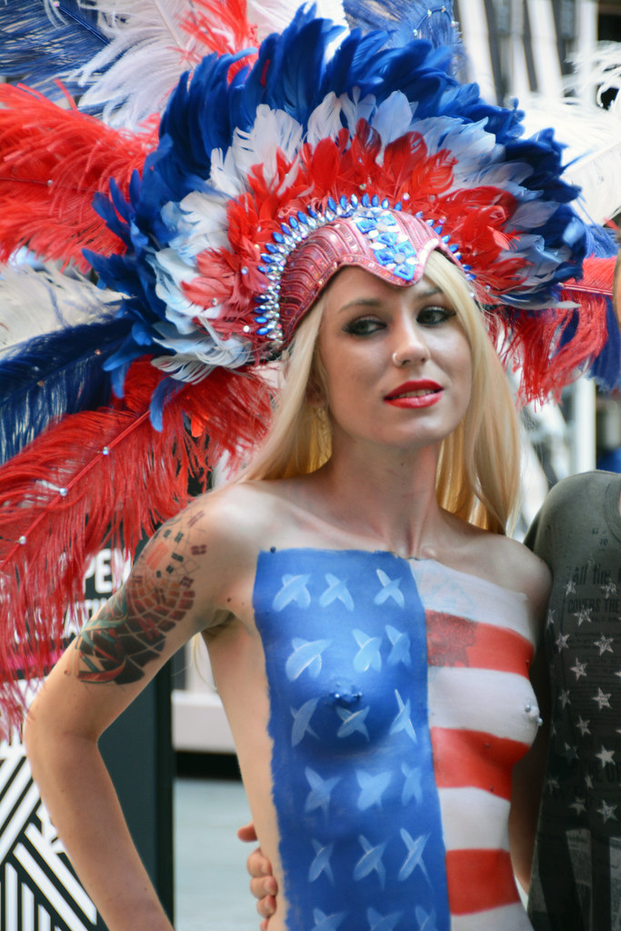 Women In Times Square In Nyc Wearing Only Body Paint Phot -6398