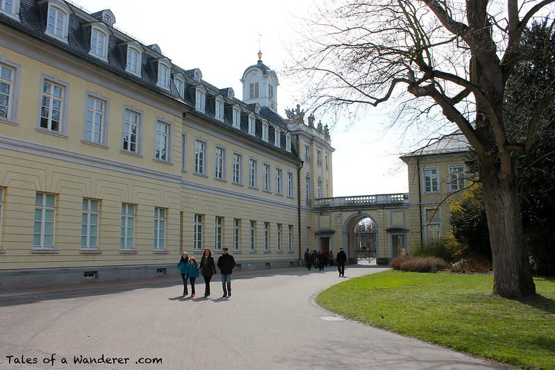 KARLSRUHE - Karlsruher Schloss