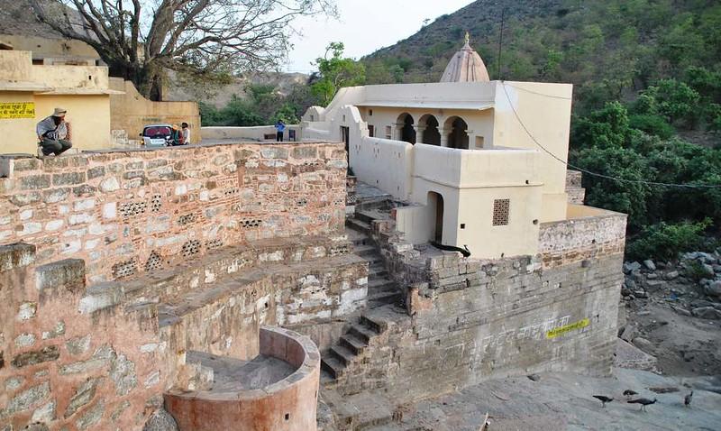 386 Shiva temple near to Alu Baba temple