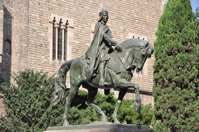 Barcelona (Via Laietana). Monument to Ramon Berenguer III, Count of Barcelona. Bronze statue cast in 1950 from the original model carved in 1888. Josep Llimona, sculptor