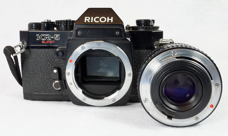 RD15023 Ricoh KR-5 SUPER 35mm SLR Film Camera XR Rikenon 50mm Lens, Sunpak Flash, Mustang Case DSC07468
