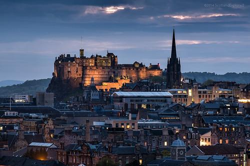 landscape scotland edinburgh cityscape edinburghcastle dusk arthursseat fujixe1 xf55200mm