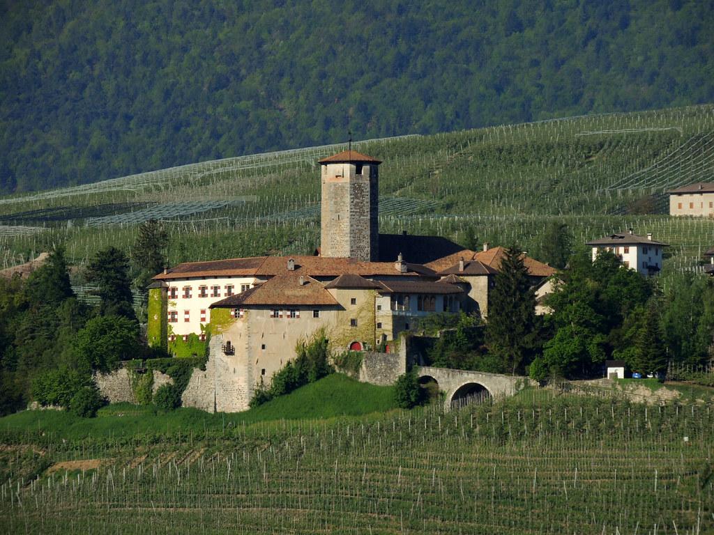 Castel Valer
