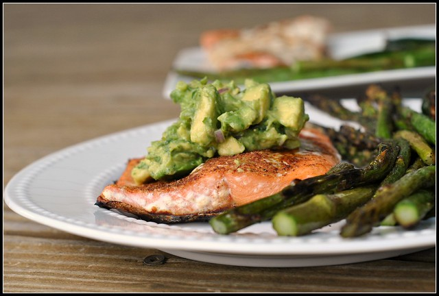 Grilled Salmon with Avocado Salsa 4