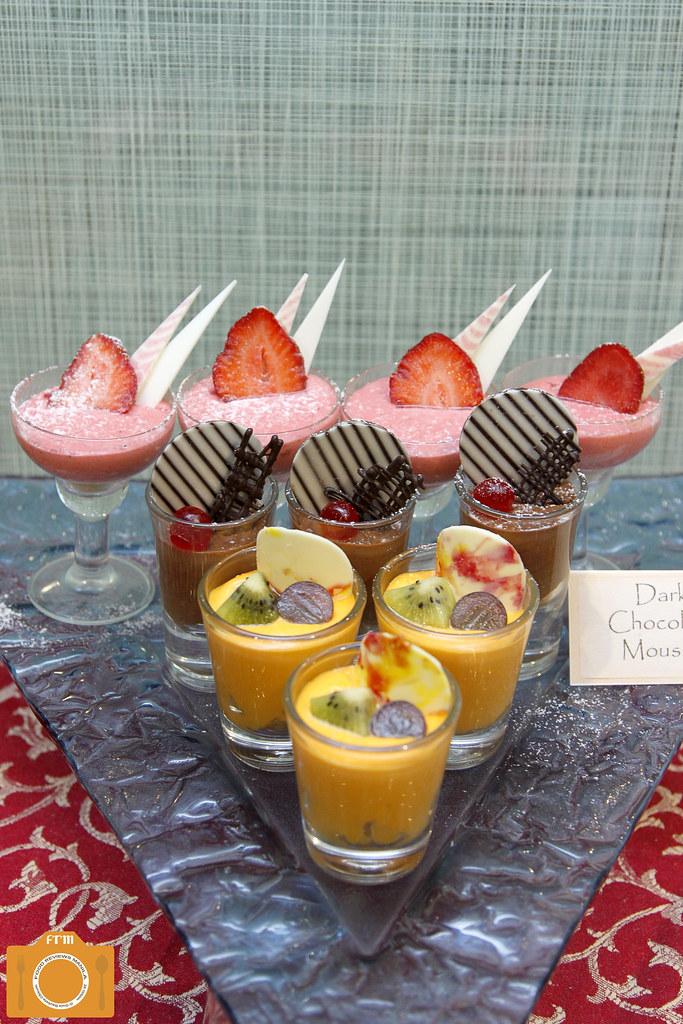 Yanagi mousse desserts