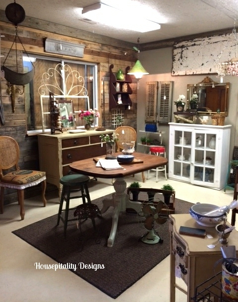 Rust and Feathers Antiques