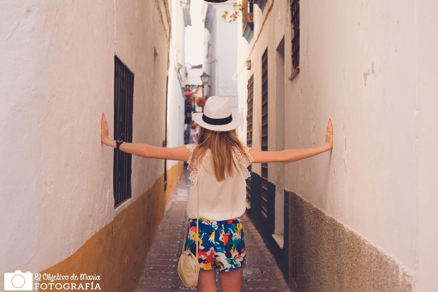 Una calle estrecha, Marbella