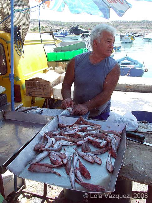 Un vendedor en Marsaxlokk. © Lola Vázquez, 2008