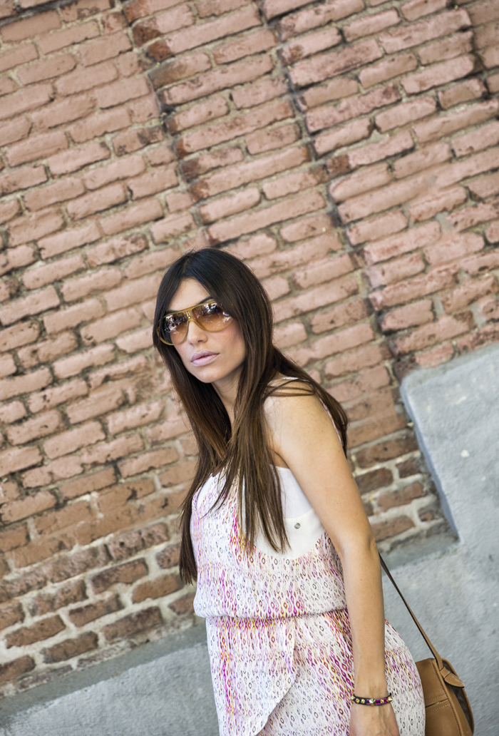 street style barbara crespo summer vibe in pink dress the corner loewe fashion blogger outfit blog de moda