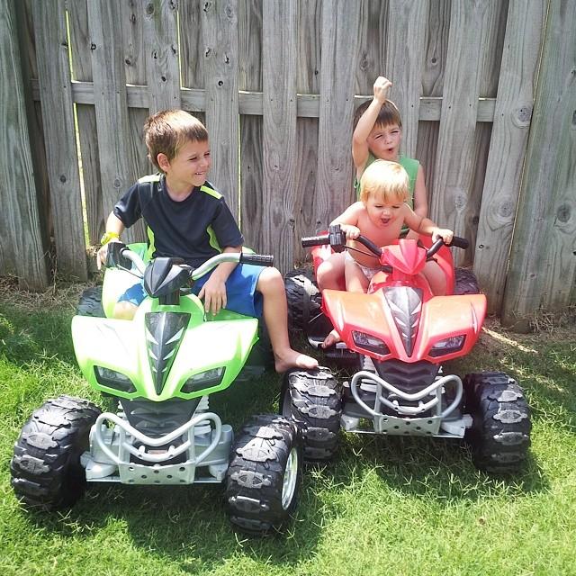 4 wheelin' brothers