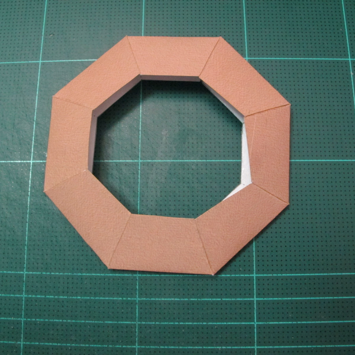 วิธีทำโมเดลกระดาษของเล่นคุกกี้รัน คุกกี้รสพ่อมด (Cookie Run Wizard Cookie Papercraft Model) 044