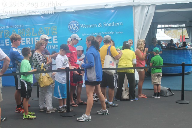 line for autographs