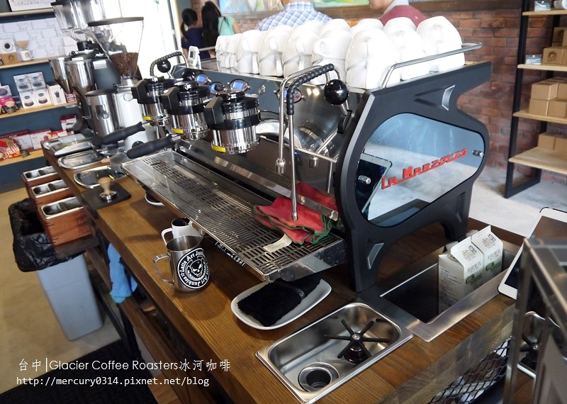 14790745338 201c7e5081 b - 熱血採訪。台中西屯【冰河咖啡Glacier Coffee Roasters】喝得到第三波北歐咖啡浪潮的咖啡館,手沖咖啡義式咖啡甜點都好棒