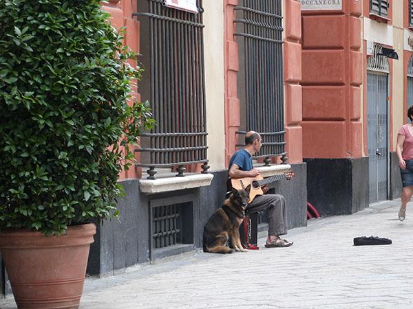 musique devant le palais rouge