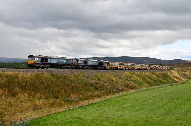 66428 & 66422 with autoballasters.