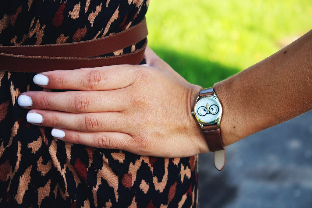 white-manicure-owl-wrist-watch